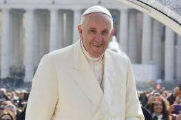 البابا فرنسيس يصل جزيرة ميديللي اليونانية لتفقد أحوال اللاجئين