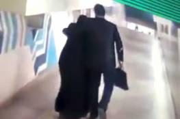 """نشطاء يتداولون فيديو لـ""""ملتح"""" يتحرش بفتاة منقبة في المترو!"""