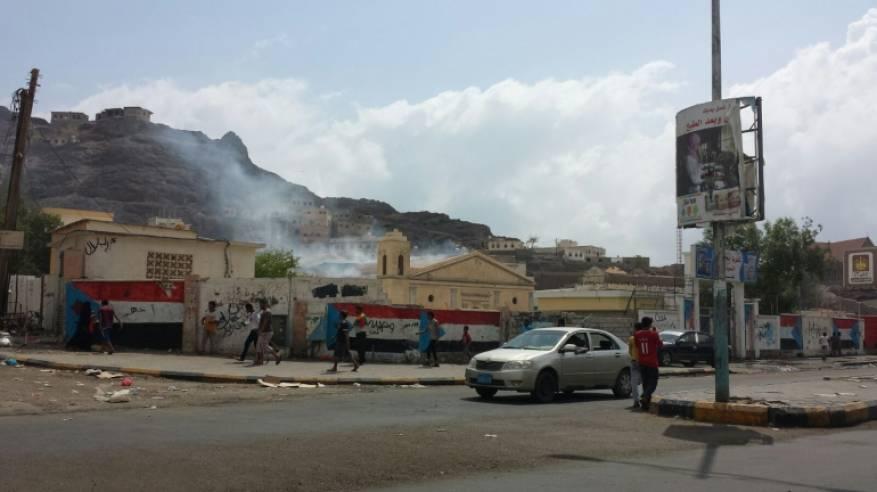 مجهولون يحرقون كنيسة في عدن