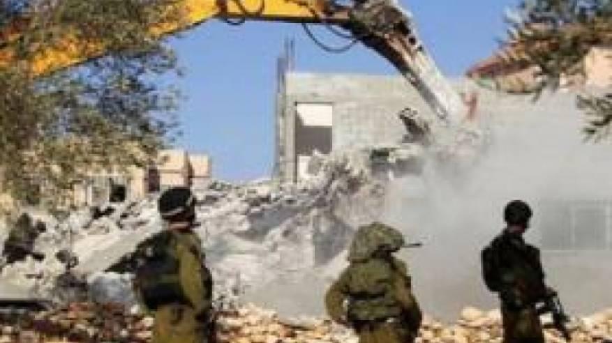 الاحتلال يخطر بهدم 7 منازل جنوب نابلس