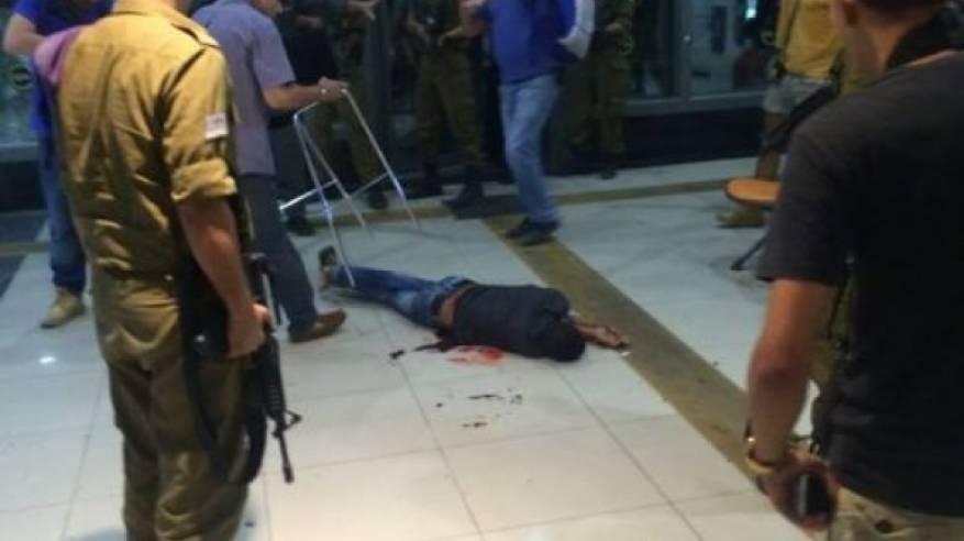 (محدث)..عملية بئر السبع: استشهاد المنفذ ومقتل جندي وإصابة 11 اسرائيليا