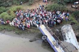 مصرع 25 من الفنانين الهنود بحادث سير مروع