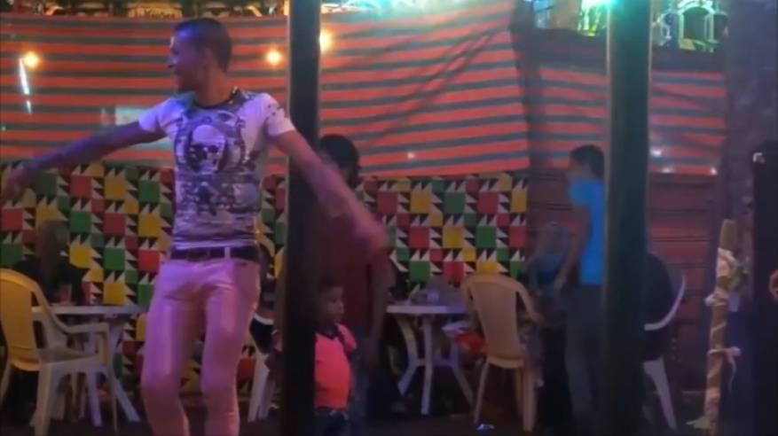 في مصر.. ساحات المساجد حلبات للرقص