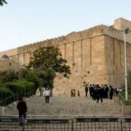 7 عاما على مجزرة الحرم الإبراهيمي