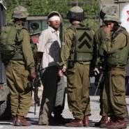 قوات الاحتلال تعتقل مواطنين جنوب الخليل