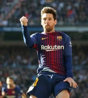 ثلاثية برشلونة تحقق له رقماً تاريخياً أمام ريال مدريد