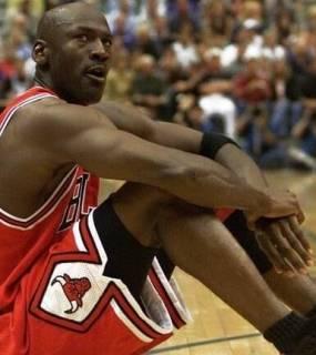 توقيف نجل أسطورة كرة السلة الأمريكية مايكل جوردن