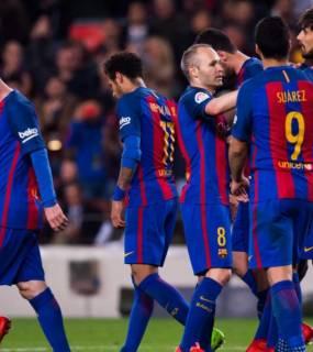 """ميسي """"لا يرتاح"""" لأحد زملائه في برشلونة"""