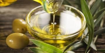فوائد زيت الزيتون للبشرة لزيادة جمالك (تعرف)