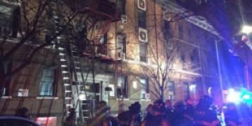 أمريكا : حريق ضخم في نيويورك يودي بحياة 12 شخصا