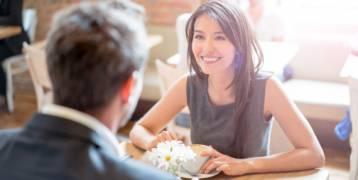 16 سؤالاً يجب أن تطرحها في أوَّل لقاءٍ للزواج.. ستكشف لك الكثير عن شريكك