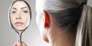 الأسباب العلمية لظهور الشعر الأبيض لدى النساء