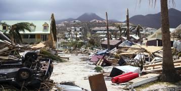 مذيعة مصرية: نجحت في تغيير مسار إعصار فلوريدا (شاهد)