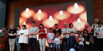 بعد  مرور 4 سنوات على الحادث أسر ضحايا الطائرة الماليزية المفقودة يحيون الذكرى
