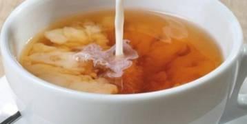 خبير يحذر من تقديم الكاكاو والشاي بالحليب للأطفال