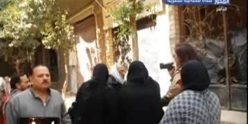 بالفيديو:اعتداء شيخ مسجد على إعلامية مصرية