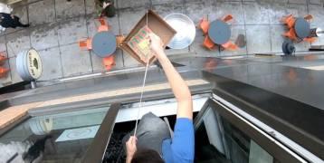 بيتزا من النافذة تجمع 30 ألف دولار للأعمال الخيرية