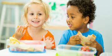 أطعمة تقلل من فرط الحركة لدى الأطفال