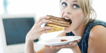 كم سعرة حرارية يحرق الجسم أثناء الجلوس والنوم والأكل