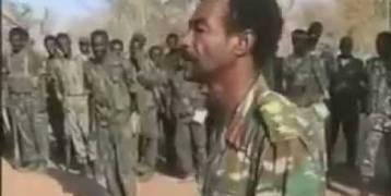 اليمن... شاهد بالفيديو: خطبة نارية لضابط سوداني تلهب حماس الجنود في ميدي