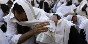 عشرات الآلاف من المستوطنين يؤدون طقوسا تلمودية على حائط البراق صباح اليوم بمناسبة ما يسمى رأس السنة اليهودية