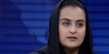 مذيعة ضجت بها أفغانستان بعد مقابلة تاريخية.. تفر من البلاد
