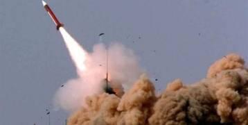 الدفاعات  السعودية تعترض صاروخاً باليستياً أطلقه الحوثيون فوق جازان