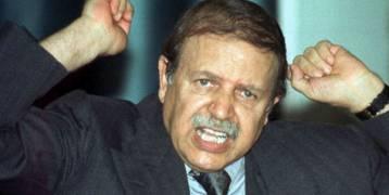 شخصان يستعدان لخلافة بوتفليقة.. فهل يُنقل الحكم بالجزائر على الطريقة الكوبية أم المصرية؟