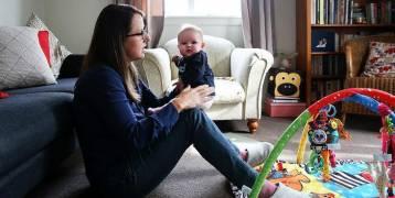 تمديد إجازة الأمومة المدفوعة لـ6 أشهر
