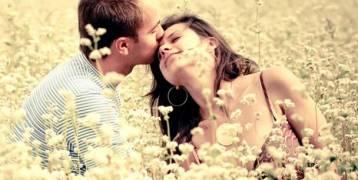 4 أسباب تدفع النساء للانجذاب إلى الرجل المتزوج