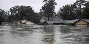 """فيضانات غزيرة تجتاح """"كريت"""" اليونانية وتُدمر مئات المنازل"""