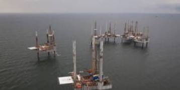انخفاض أسعار النفط في ظل تأثر أنشطة التكرير الأمريكية
