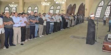 صور: الفنانين والنجوم يجهشون بالبكاء في جنازة عمرو سمير.
