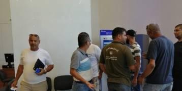 فلسطينيون في لبنان يسحبون حوالي مليار دولار في البنوك اللبنانية