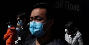 سنغافورة.. سجن رجل سعل على ضابط شرطة عمدا