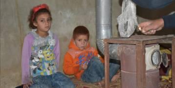 """وقودهم """"البلاستيك"""".. نازحون سوريون في براثن السرطان"""