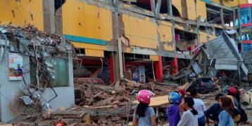 فيديو للحظات وقوع الزلزال الذي خلَّف 48 قتيلاً ومئات الجرحى في إندونيسيا