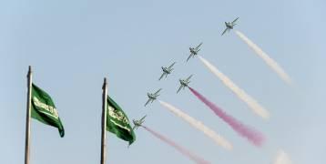 فيديو: استعراض طائرات يخطف الأنظار في السعودية