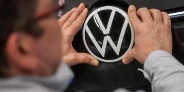 فولكس فاجن تخطط لتسريح 5 آلاف عامل بـِ #ألمانيا