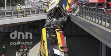 شاهد: حادث مروع لحافلة نقل عام في العاصمة البولندية وارسو يخلف قتيلا وعدة جرحى