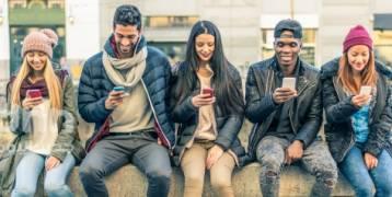 إذا استاء والداك من تعلقك بالإنترنت وطالباك بالتوقف فاجعلهما يقرآن هذه الدراسة.. وراقب ردَّة فعلهما