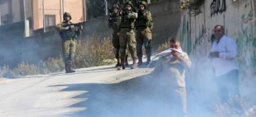 فلسطين : إصابات إحداها خطيرة بمواجهات مع الاحتلال في عوريف