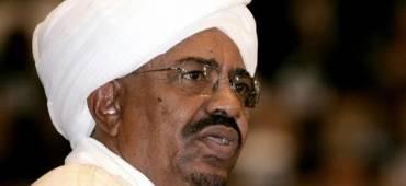 الرئيس السوداني عمر البشير يأمر بالإفراج عن تشيكي أدين بالتجسس