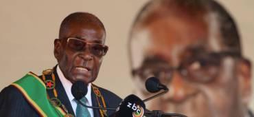 موغابي يصدم زيمبابوي بخطابه.. بدلاً من إعلان استقالته يتحدى عزله ويعلن أنه لا يزال القائد
