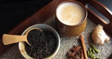"""ثنائيات غذائية تقضي على صحتك.. بينها """"الشاي مع الحليب"""""""