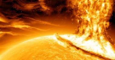 العلماء يرصدون انفجاراً ضخماً على الشمس