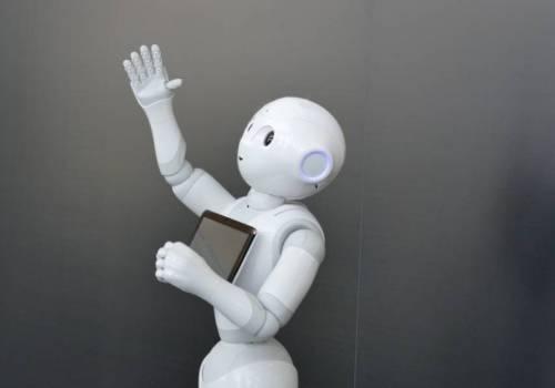Pepper.. الروبوت «قارئ المشاعر» يُطرد باستمرار من الوظائف
