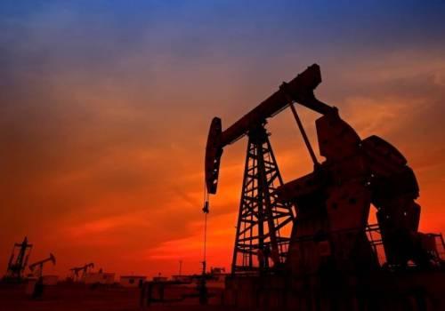 النفط ينزل في ظل إجراءات عزل عام في الصين