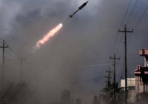 7 صواريخ تستهدف قاعدة عسكرية عراقية تضمّ أمريكيين
