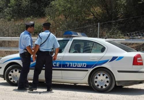 شرطة الإحتلال تعتقل 3 فلسطينيين بتهمة رشوة